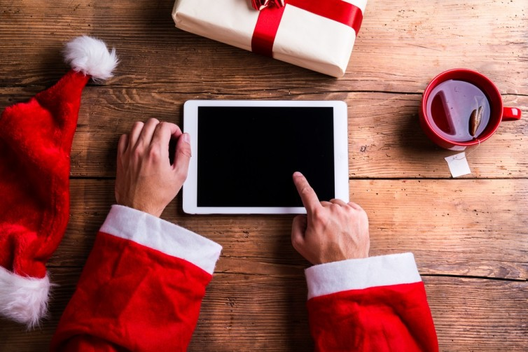 Techy Santa Reckons On AI, Blockchain And Cyber Security