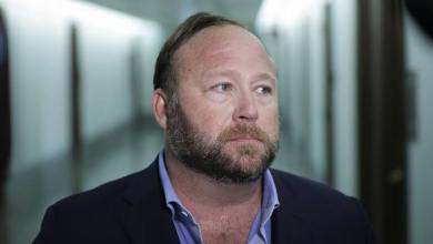 Photo of PayPal & Twitter Banned The Prospectus Poster Boy, Alex Jones For Bitcoin! Why?